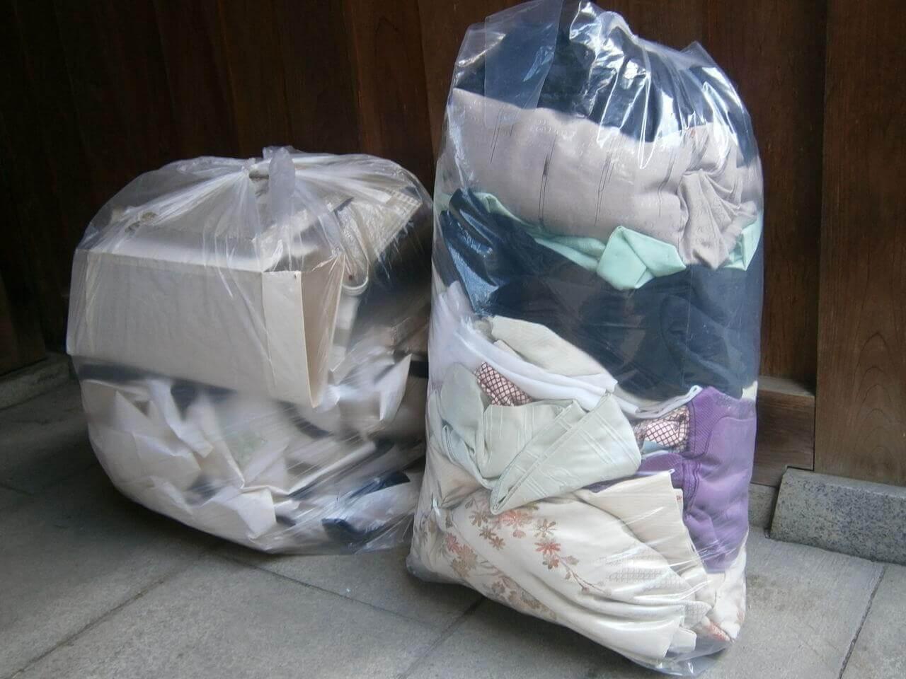 着物処分方法1.ゴミとして捨てる